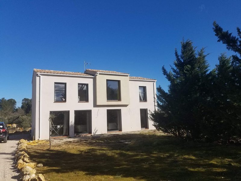Villa soleillade 83470 saint maximin la ste baume, holiday rental in Ollieres