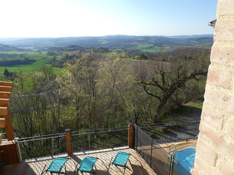 Magnifique maison rénovée au cœur d'un village médiéval, casa vacanza a Castelnau-de-Montmiral