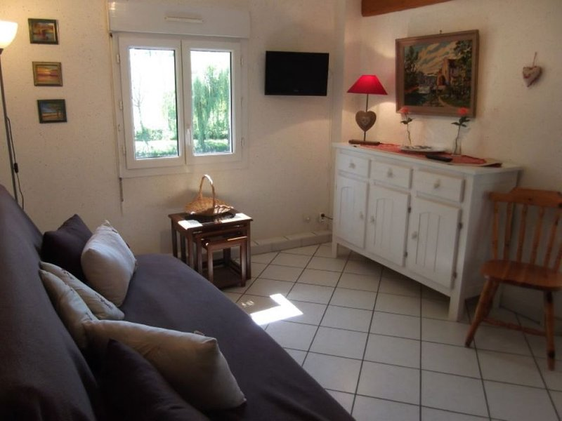 Le Moulin du Pont-Appartement 3, holiday rental in Saint-Victor