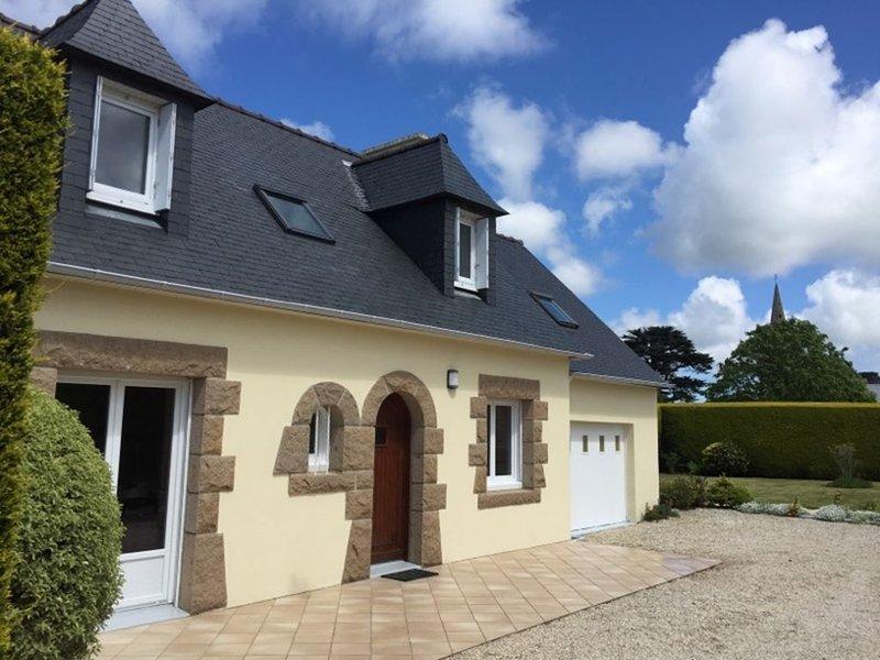 Maison 6 personnes mer 1 km – Côte de Granit Rose, holiday rental in Trebeurden