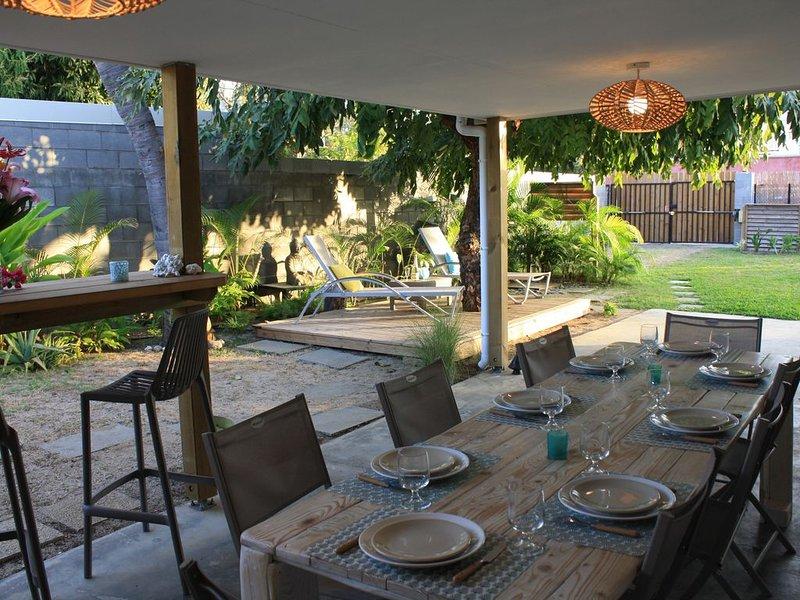 Jolie Maison + Jardin spacieux à 30m du Lagon, location de vacances à La Saline les Bains