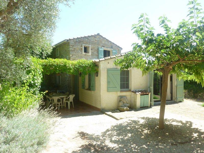 Mas de charme, jolie piscine hors-sol, holiday rental in La Cadiere d'Azur