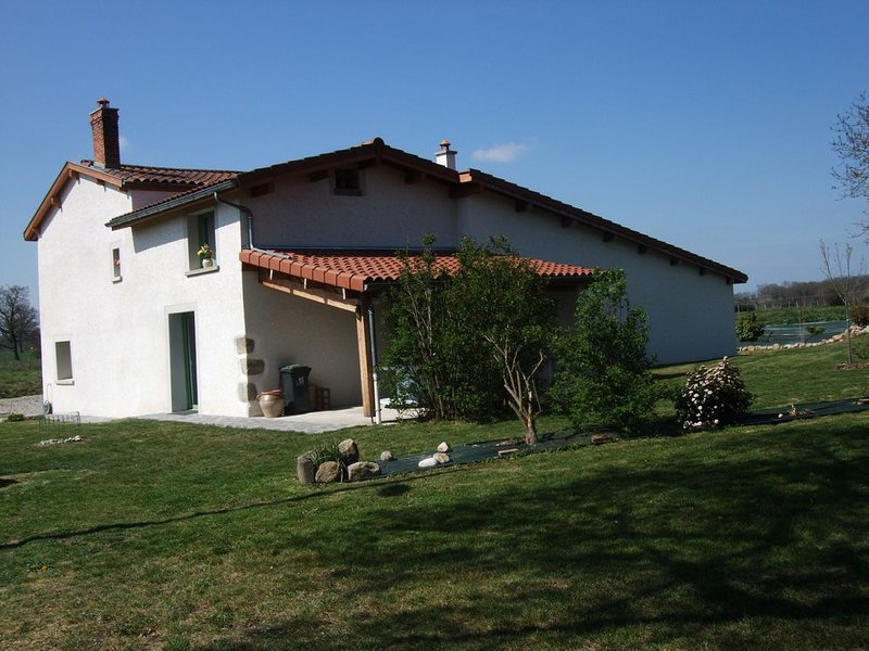 GRANDE MAISON DE CAMPAGNE, holiday rental in Bort-l'Etang