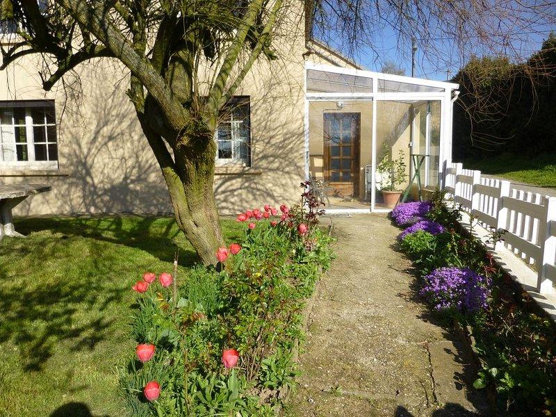 Vacances au calme dans maison individuelle avec terrain, location de vacances à Flavin