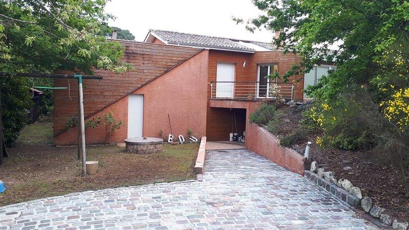 Villa  familiale  à 300 m du lac de Lacanau, holiday rental in Le Temple