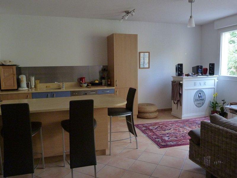 appartement 80 m2 centre ville de martigues, location de vacances à Port-de-Bouc