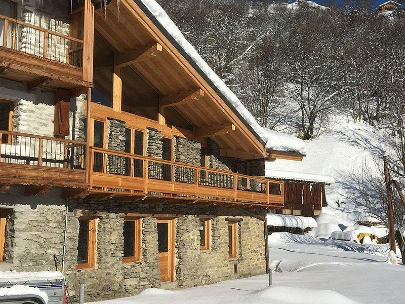 Chalet 170 m2 pour 12 personnes 4 chambres + 1 mezzanine, holiday rental in Montvalezan