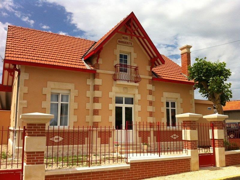 Belle villa avec Spa alliant charme de l'ancien et modernité à 2 pas des plages, vacation rental in Lacanau