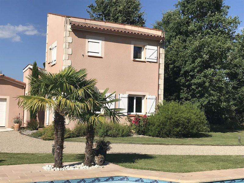 Maison entière - L ´AJOUPA, Ambiance des îles - dans un cadre bucolique (60m2), vacation rental in Monclar-de-Quercy