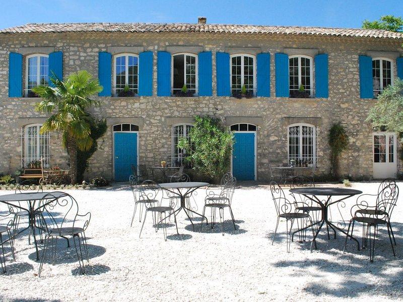 BASTIDE DE LA LEZARDIERE ***, holiday rental in Fontaine de Vaucluse