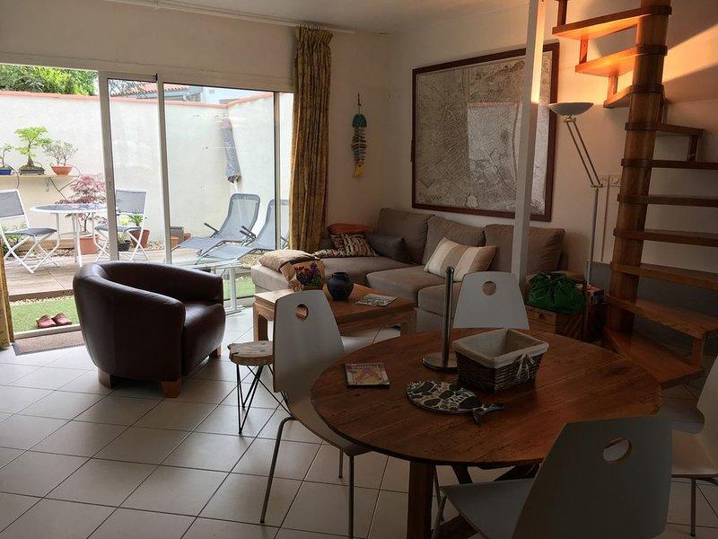 Maison de ville avec Jardin., holiday rental in l'Houmeau