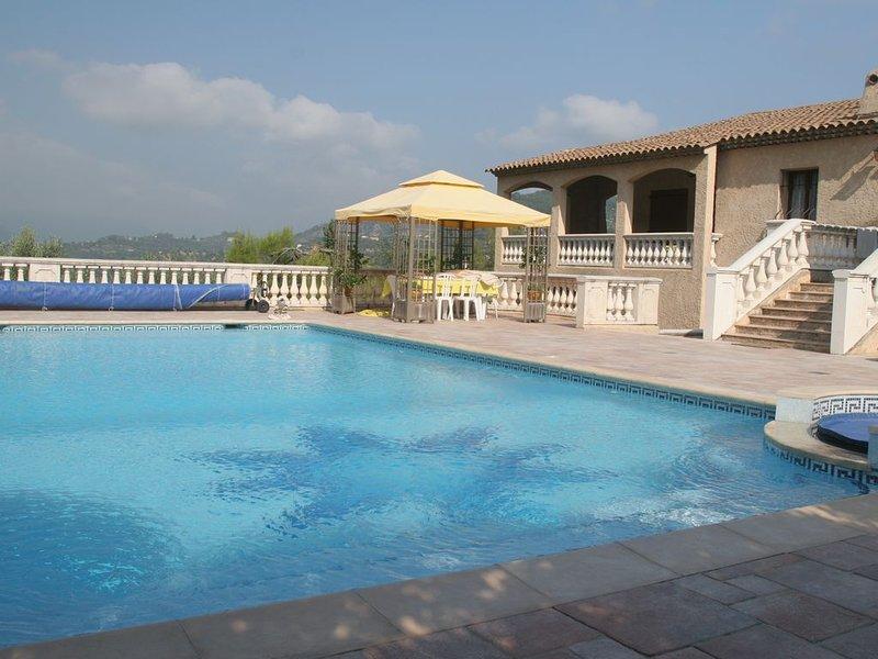 Maison avec piscine arrière pays niçois, location de vacances à Gilette