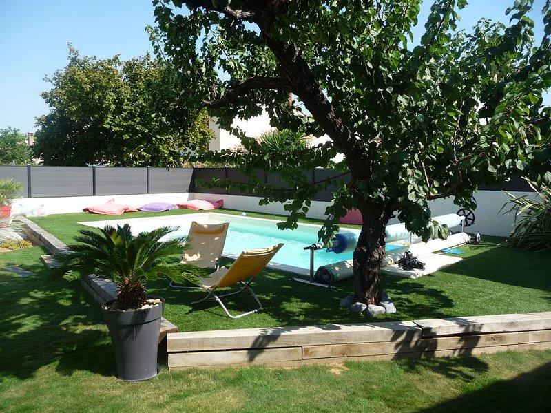 VILLA FAMILIALE AVEC PISCINE ENTRE MONTPELLIER ET PLAGE, holiday rental in Montpellier