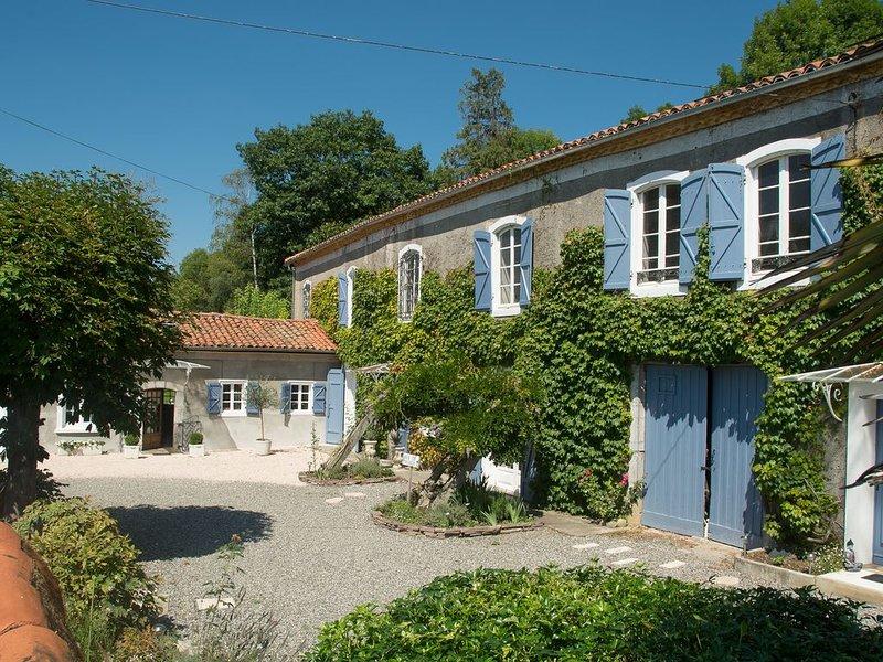 Naturaform votre centre de bien-être et ses chambres d'hôtes, holiday rental in Saint-Lary-Boujean