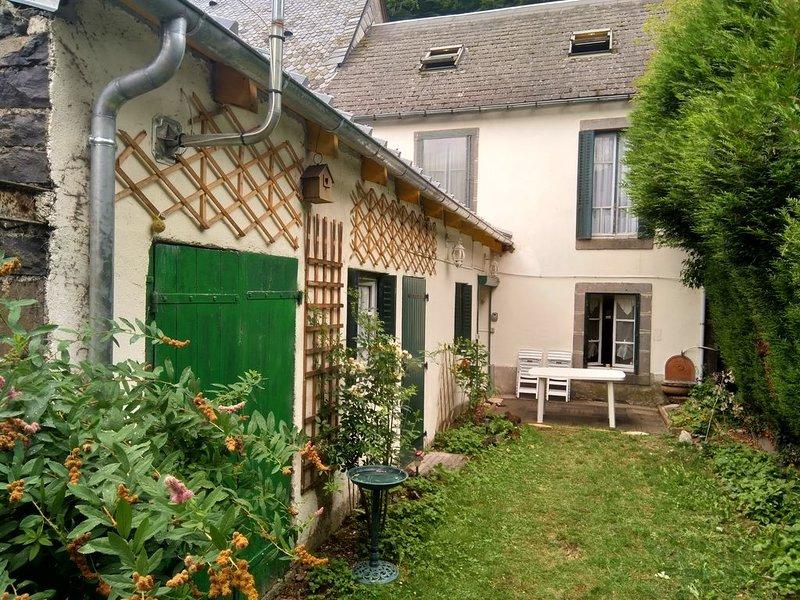 Maison de charme, pour 10 voyageurs., casa vacanza a Saint-Nectaire