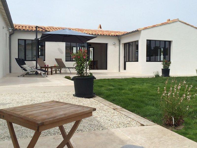 Maison idéale pour vacances/week-ends en famille ou entre amis, holiday rental in Loix