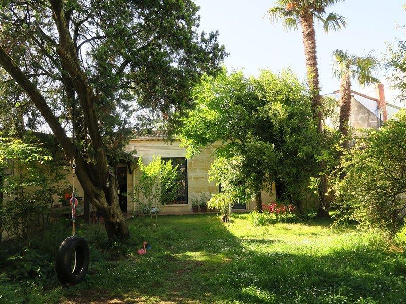 Jolie maison avec jardin Bordeaux centre, vacation rental in Talence