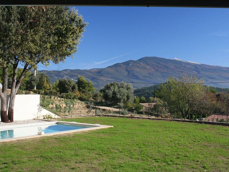 Maison de vacances en style provençal contemporain avec panorama superbe., holiday rental in Modene