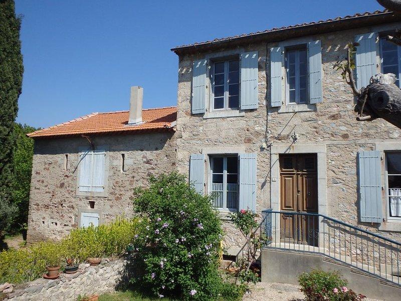 ' SOPHORA' , maison de caractère dans le Minervois, location de vacances à Caunes-Minervois