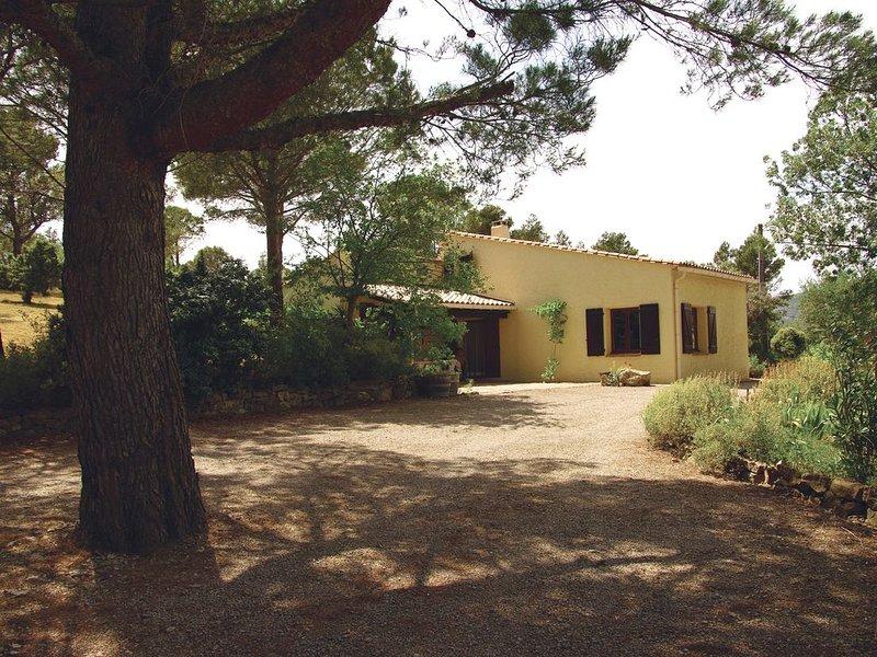 Maison idéale pour un séjour au calme (PROMO: - 15% à partir du 1er juillet), holiday rental in Tournissan