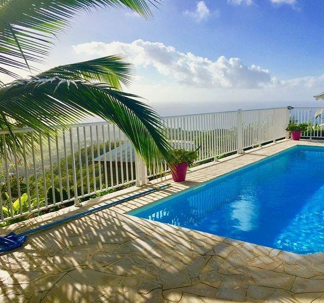 Villa de standing avec  piscine, vue exceptionnelle, casa vacanza a Le Diamant