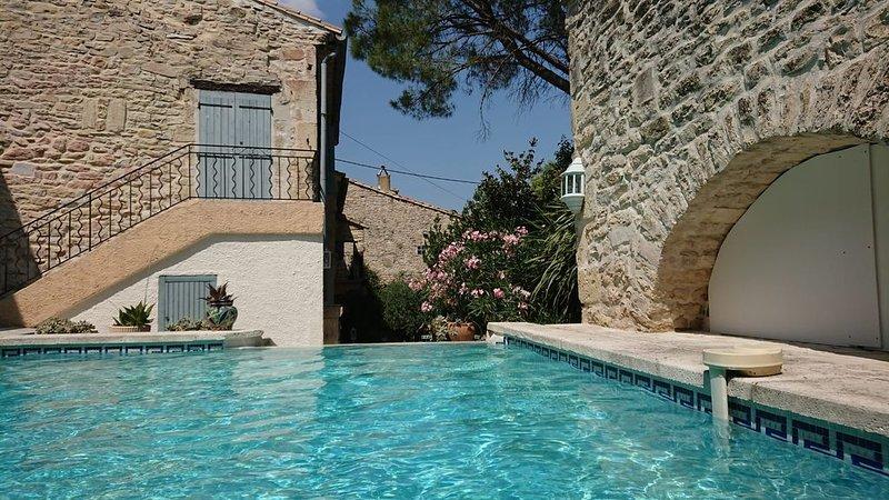 Bergerie de charme entre Nîmes et Montpellier, à 25 mn des plages, holiday rental in Clarensac