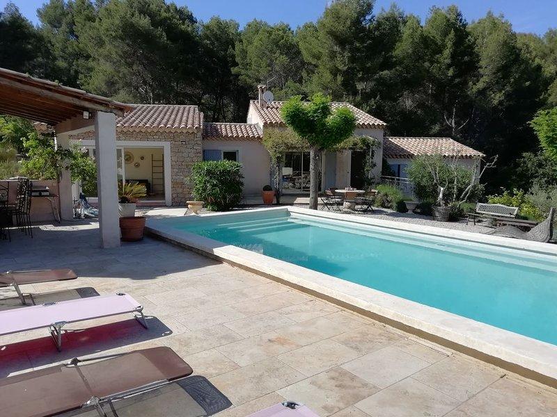 villa pour 8 personnes à la Cadière d'azur , proche mer et circuit du Castellet, holiday rental in La Cadiere d'Azur
