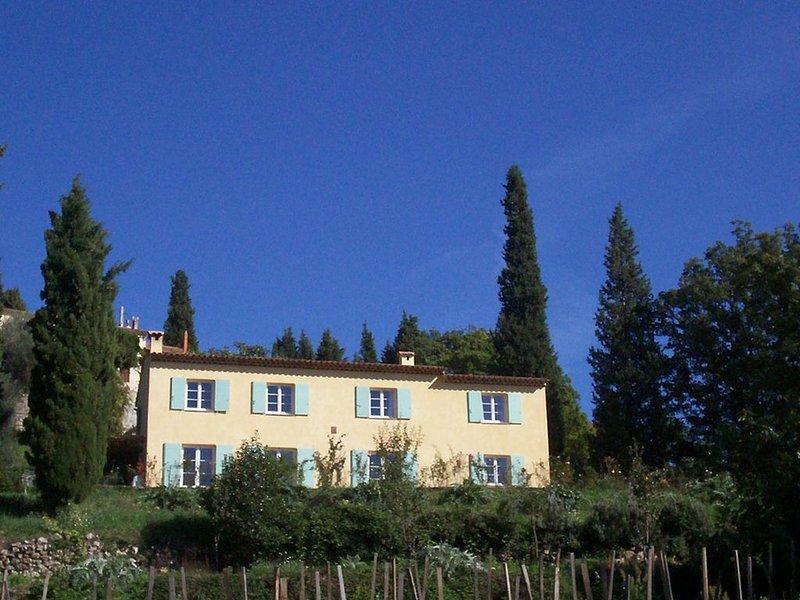 Gîte rural, classé Gites de France, entre mer et montagnes, casa vacanza a Grasse