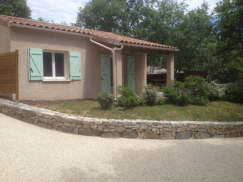 Gîte L'Olivier - Gîtes des Campanes - proche de Vallon Pont d'Arc, holiday rental in Saint-Alban-Auriolles