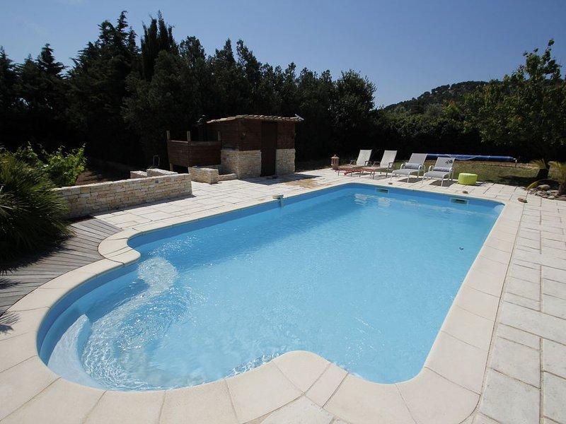 Villa récente à la campagne proche mer, piscine, alentours de Sausset les Pins, vacation rental in La Couronne