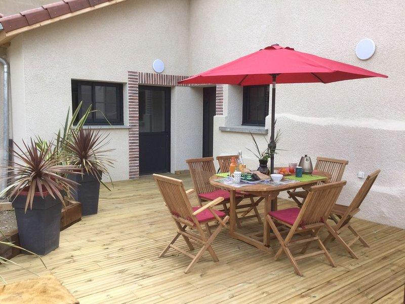 Maison - Gîte rénové en 2019 pour 6 pers. dans le centre du village d'Hauterives, holiday rental in Charmes-sur-l'Herbasse
