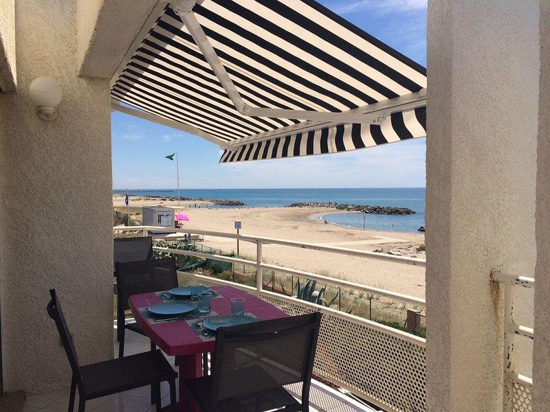 'PARADIS SUR MER' T3 front de mer accès direct plage, location de vacances à Frontignan