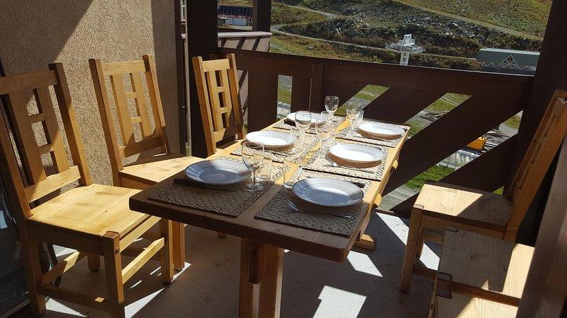 Appartement 3 pièces (dont 1 cabine), 1 S. de B., 1WC, 6 couchages, balcon 6m2, aluguéis de temporada em Val Thorens