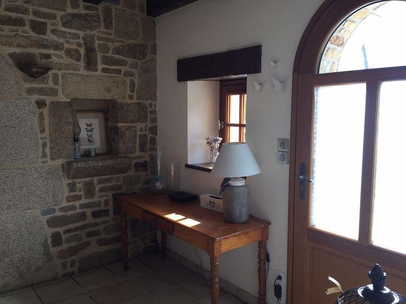 Longère bretonne de charme, vacation rental in Ploumilliau