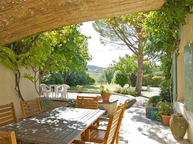 Gîte 7 personnes avec piscine - Mormoiron près du Mont-Ventoux, holiday rental in Flassan