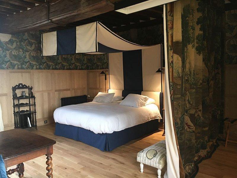 Les Suites du Manoir de la Crasvillerie, holiday rental in Le Vast
