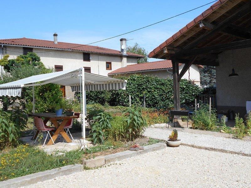 Maison de village  8 personnes, vacation rental in Peronnas