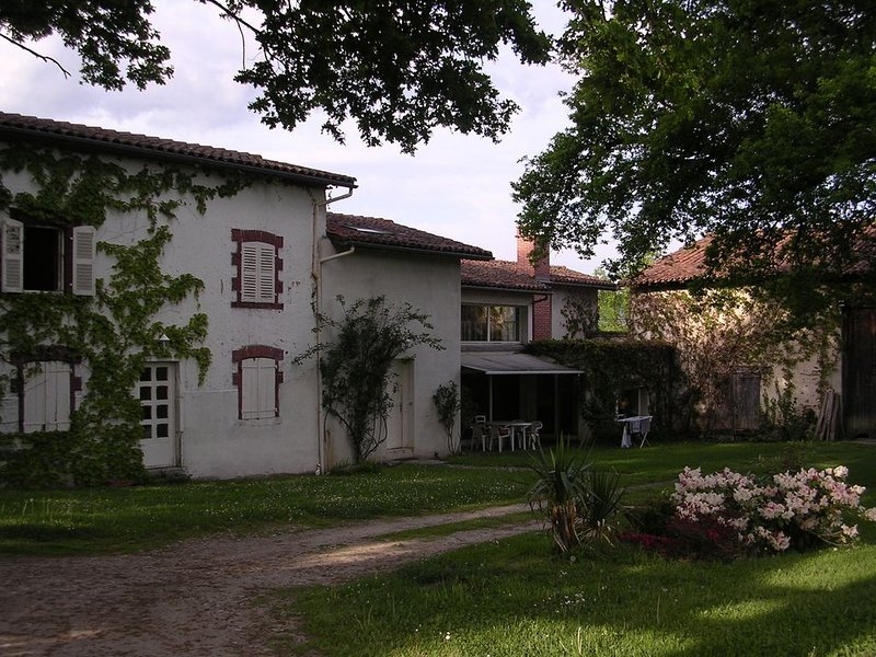 CHAMPINA, ancienne ferme rénovée, holiday rental in Bort-l'Etang