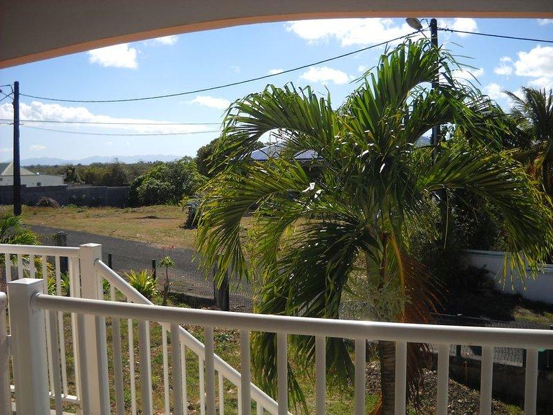 LOCATION SAISONNIERE A PROXIMITE DE LA PLAGE DE PORT-LOUIS, vacation rental in Port-Louis