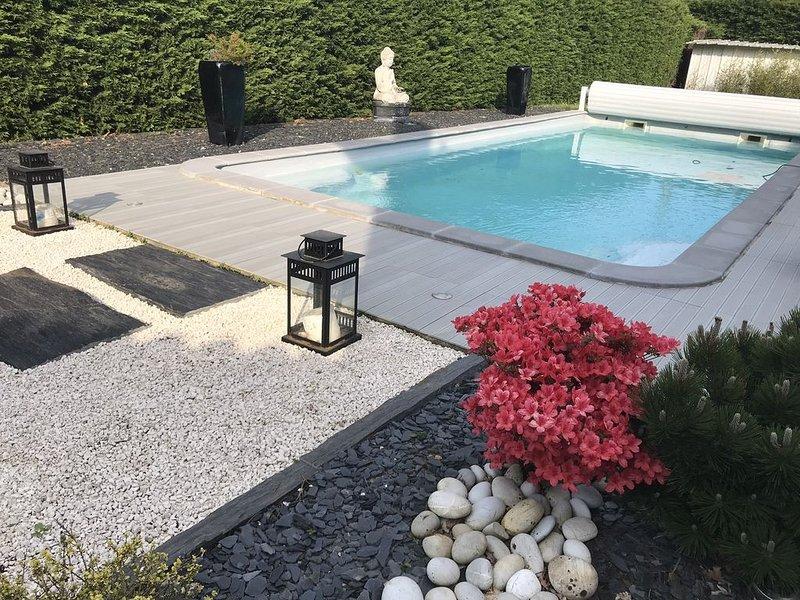 Villa contemporaine spa piscine BORDEAUX, casa vacanza a Sadirac