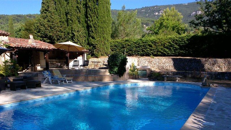 Propriété 280 M² , climatisée, holiday rental in Seillans