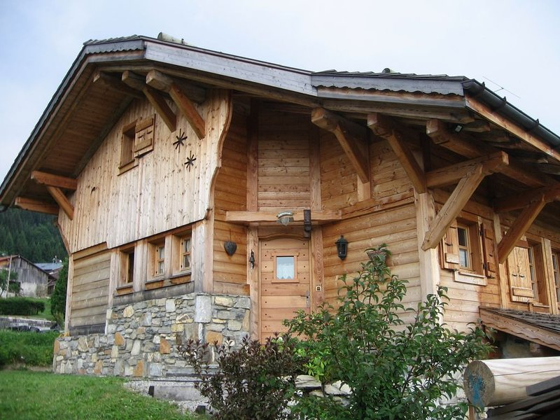 Chalet 7 personnes 130 m2, holiday rental in Magland