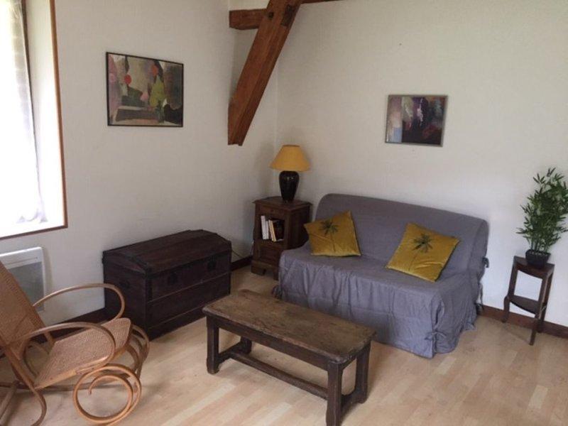 Appartement indépendant dans proproiété privée à Tulle, holiday rental in Gros-Chastang