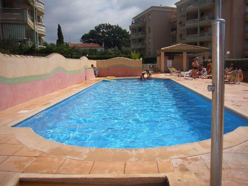 PRETTY STUDIO quiet, well located for the beaches, location de vacances à Fréjus