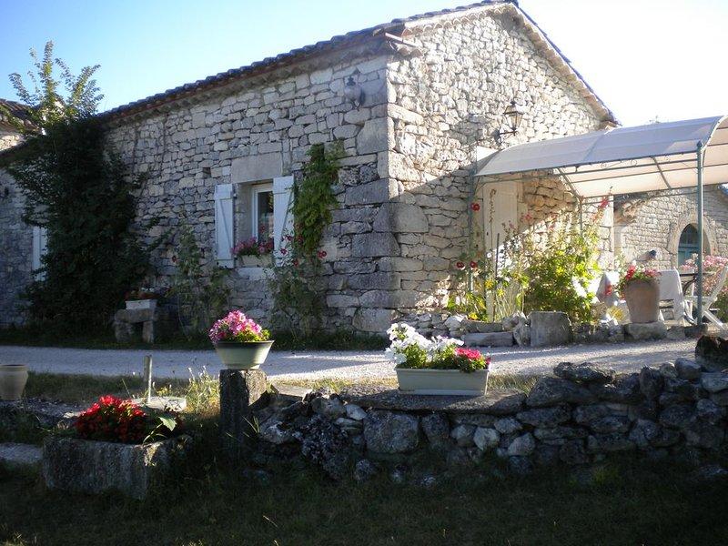 Gîtes de France 3 épis Quercy Blanc 5 personnes, Ferienwohnung in Saint-Daunes