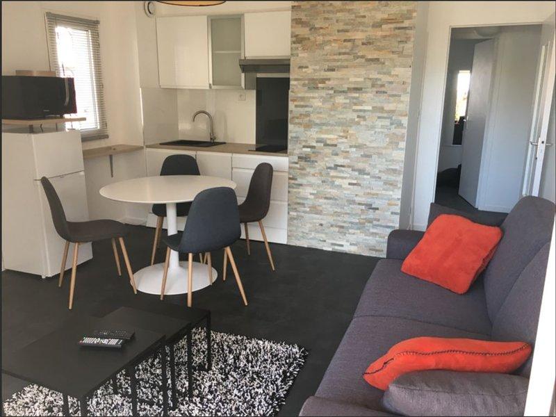 Appartement T2 Rénové Plage & Centre Ville à pieds, aluguéis de temporada em Concarneau