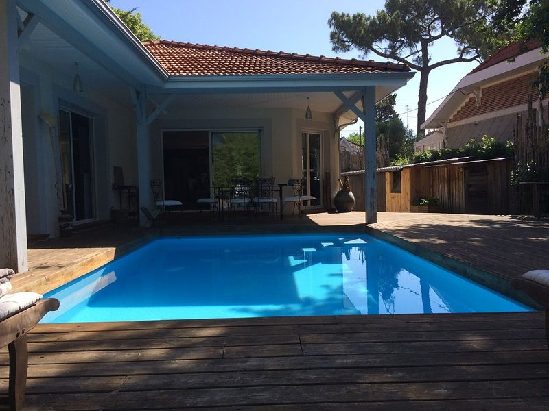 Maison centre ville piscine, holiday rental in Arcachon