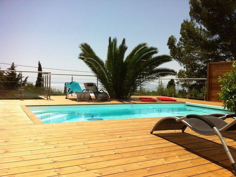 Carqueiranne Californie Varoise - Rare - Villa  en double logement - Vue mer, holiday rental in Carqueiranne
