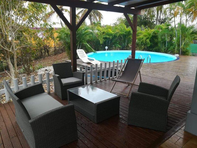 Villa Ti Colibri à Sainte-Anne à 350 m de la mer, holiday rental in Douville