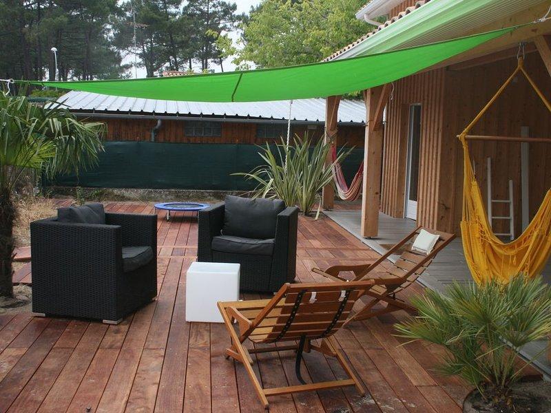 Maison au bord du lac d'Hourtin : plus grand lac naturel d'eau douce de France, holiday rental in Saint Isidore
